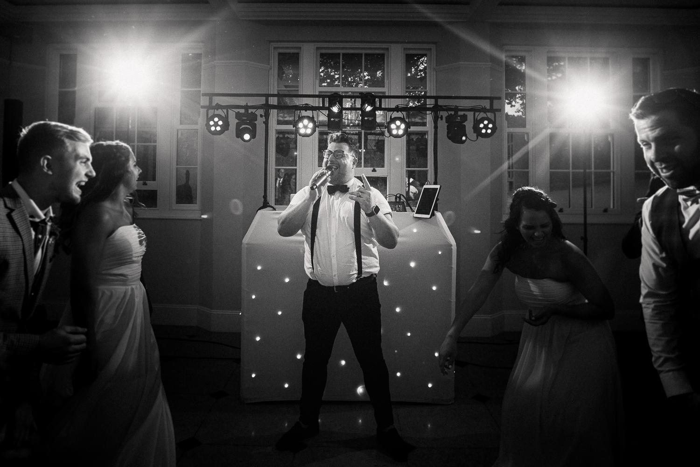 Rockbeare_Manor_Wedding_Photographer_Natural-103.jpg