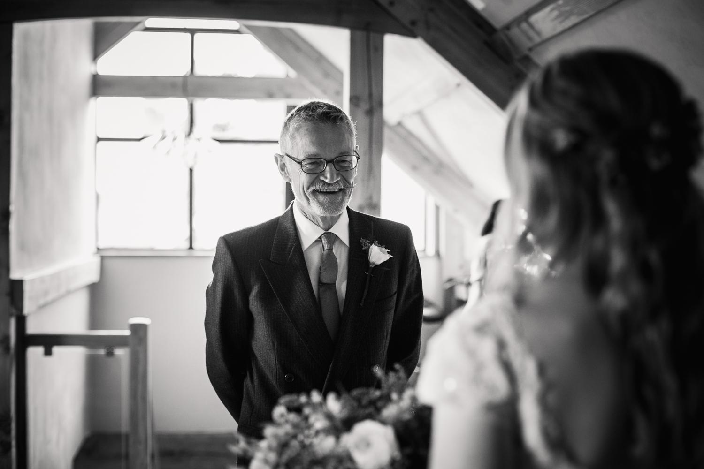 THE_OAK_BARN_DEVON_WEDDING_PHOTOGRAPHER-16.jpg