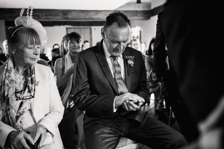 THE_OAK_BARN_DEVON_WEDDING_PHOTOGRAPHER-19.jpg