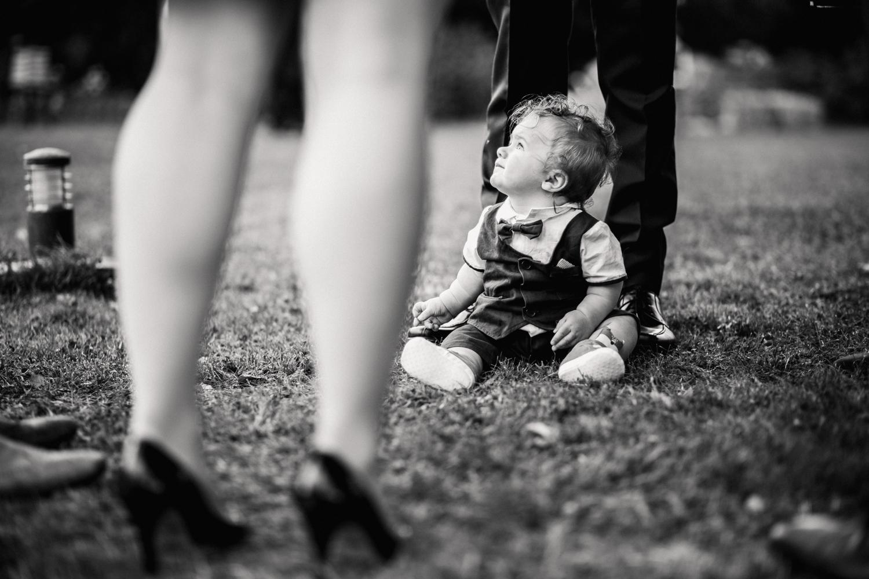 THE_OAK_BARN_DEVON_WEDDING_PHOTOGRAPHER-40.jpg