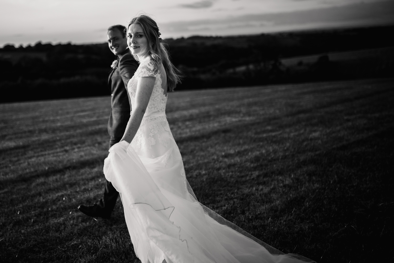 THE_OAK_BARN_DEVON_WEDDING_PHOTOGRAPHER-77.jpg