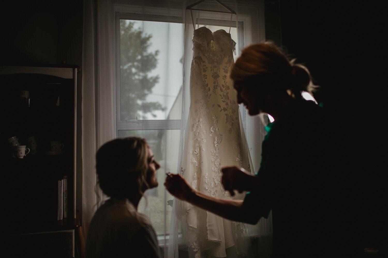 TAWSTOCK_COURT_WEDDING-7.jpg