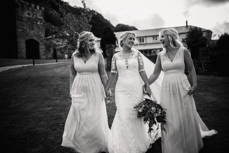 TAWSTOCK_COURT_WEDDING-90.jpg