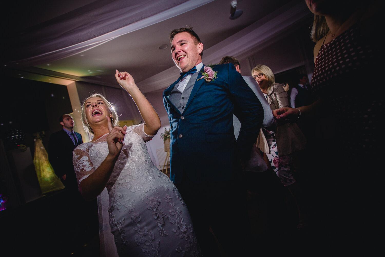 TAWSTOCK_COURT_WEDDING-103.jpg