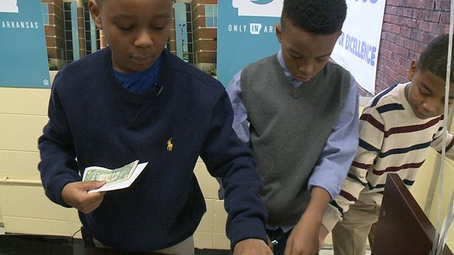 Read how First Security Bank and David O. Dodd Elementary work together to teach kids financial stability. Visit iPiggiBank.com today and learn how your company can support teaching elementary students money management skills. http://ow.ly/EZW630nqb1I. #MM4K #iPiggiBank