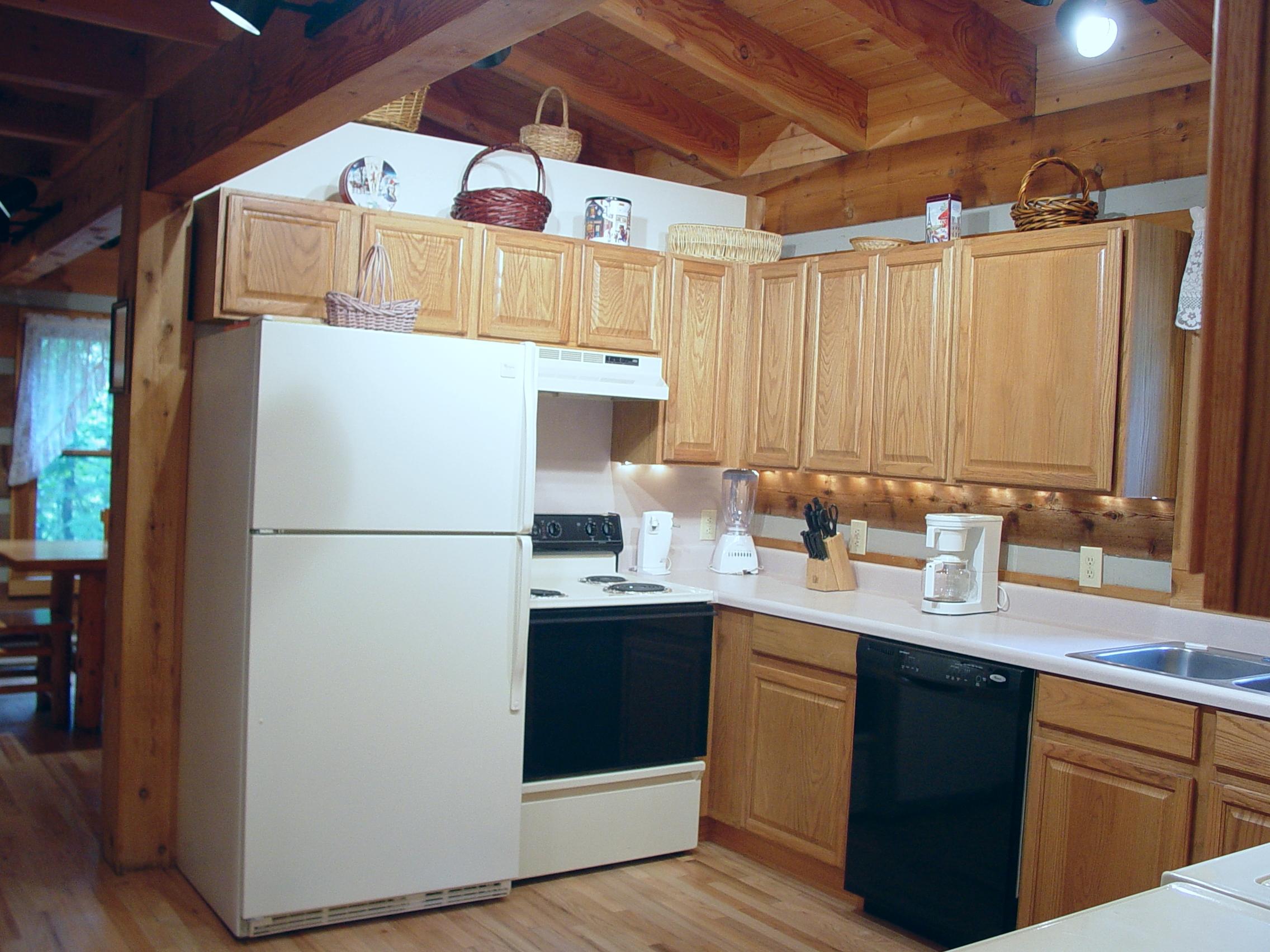P_C_ Kitchen_09.23.05_021.jpg