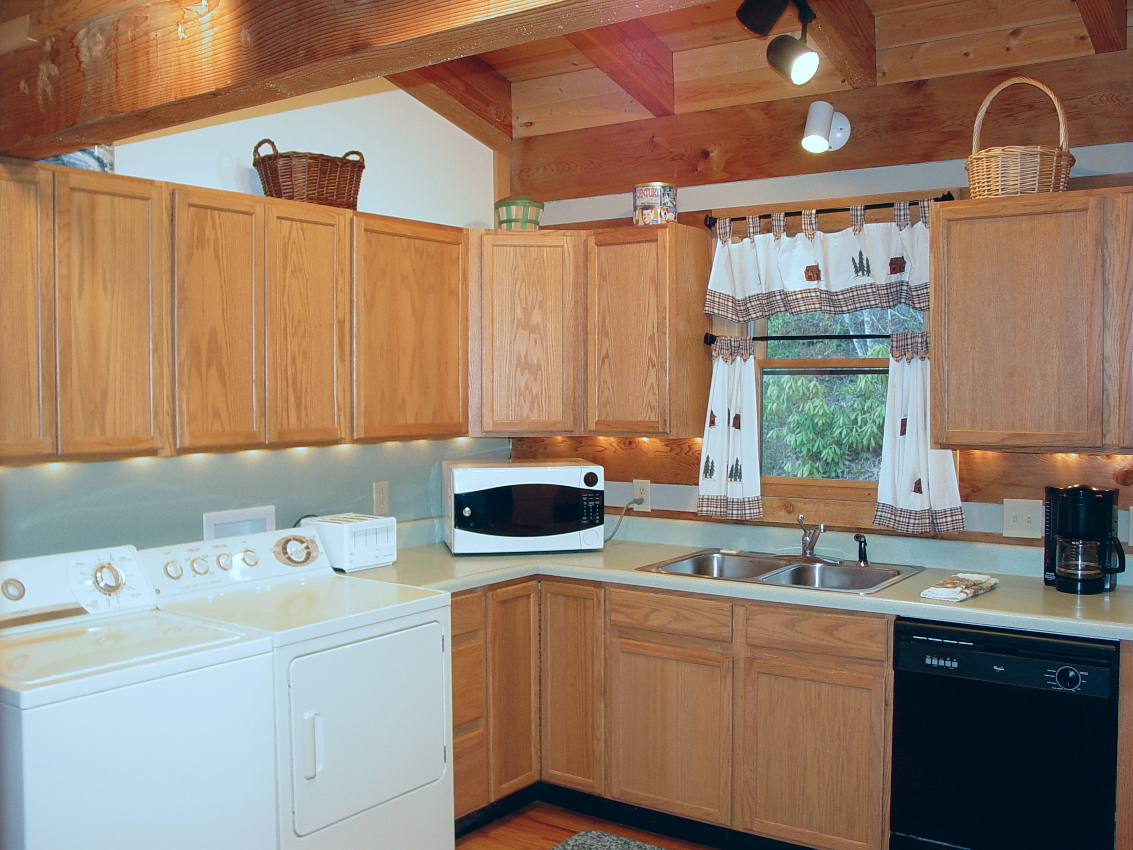BC_Kitchen_Feb_11_011.jpg