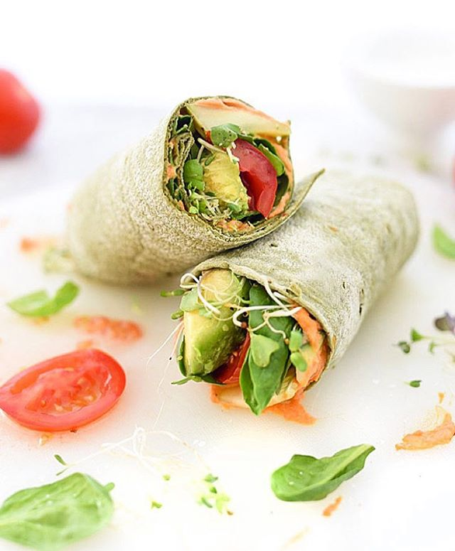 #FreshTip wrap your hummus and fresh veggies up for a healthy and delicious lunch you can whip up in minutes! 😋