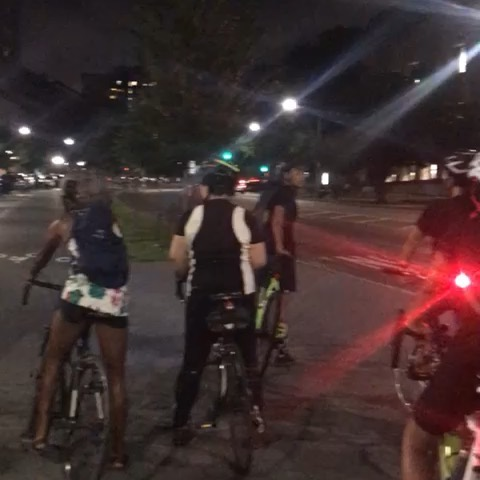 #throwback to our ANNUAL @differentgearbk FULL MOON RIDE on 8/15. 🚲🌕🚲⁣ ⁣ We rode through #prospectheights , #crownheights , #eastnewyork and into #howardbeach for unobstructed views of and energy from the 🌕. It was truly magical. ⁣ ⁣ Stay tuned for more info on our upcoming rides this #autumn and #winter !!! @lydiamazin @bklynboihood