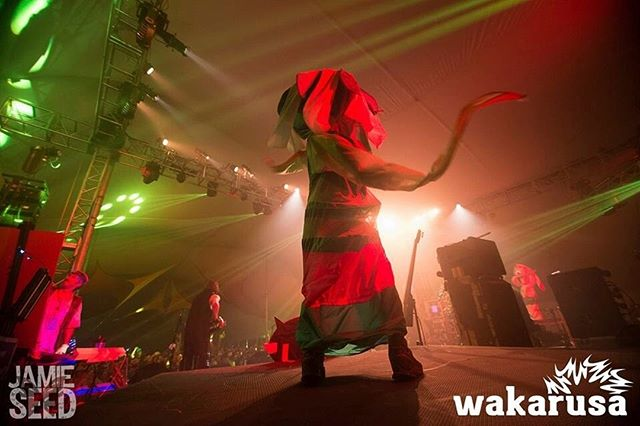 WE FIRST CRASH LANDED IN URRTH *earth AT @WAKARUSA in 2014. WE EVEN GOT TO DANCE ON OUR FIRST STAGE WITH @wookiefoot 🦶🏼🌿✨. HOLY MOLY WHAT A MAGICAL TRIP IT WAS⠀⠀⠀⠀⠀⠀⠀⠀⠀ .⠀⠀⠀⠀⠀⠀⠀⠀⠀ .⠀⠀⠀⠀⠀⠀⠀⠀⠀ .⠀⠀⠀⠀⠀⠀⠀⠀⠀ 📸 @jamieseedphotography⠀⠀⠀⠀⠀⠀⠀⠀⠀ .⠀⠀⠀⠀⠀⠀⠀⠀⠀ .⠀⠀⠀⠀⠀⠀⠀⠀⠀ ⠀⠀⠀⠀⠀⠀⠀⠀⠀ @planoly #planoly #summercampfest #scamp19 #musicfestivals #moonpuppies #immersiveart #soulshinetent #friendship #costumedesign #characterdesign #worldbuilding #festiekids #googlyeyes #glittergang