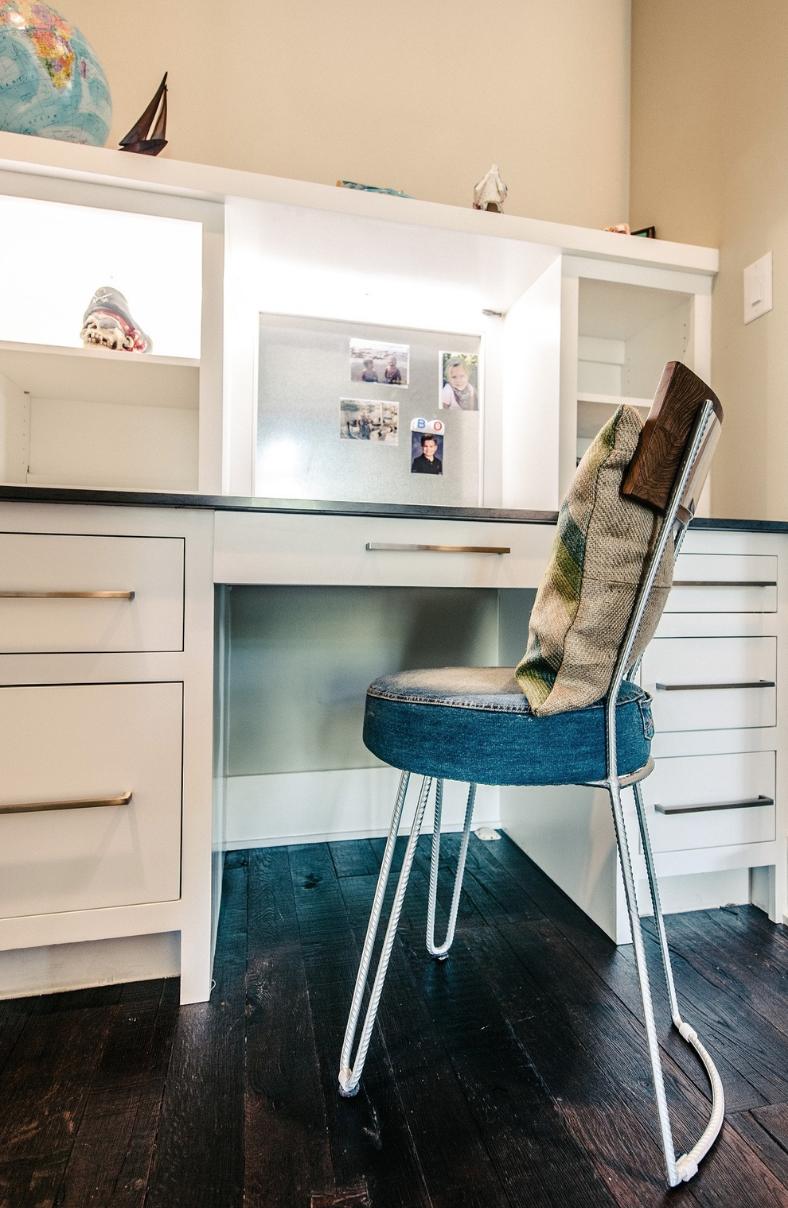 Children's Built-In Desk