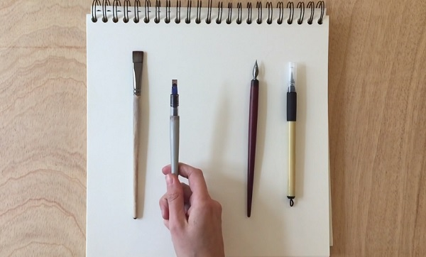 Designer Martina Flor displays the basic tools of calligraphy: translation tools with a broad or chiseled nib, and expansion tools with pointed nibs