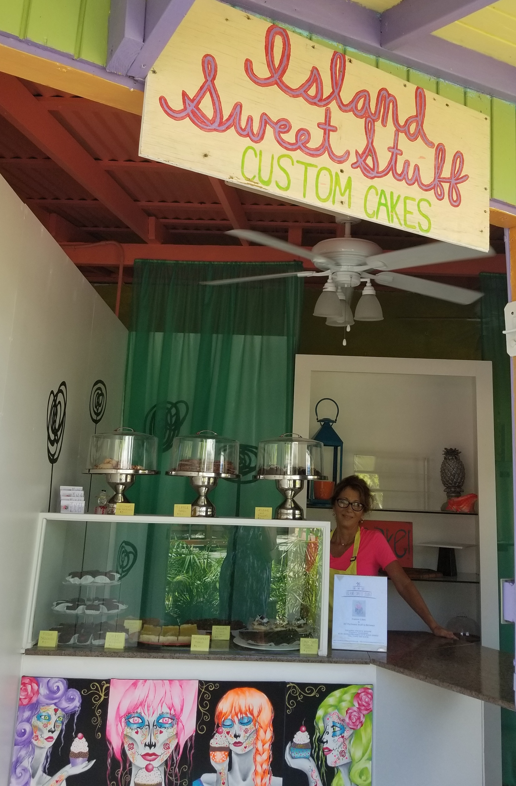 Sweet Stuff owner Cynthia, Pistarackle's next door neighbor and talented custom cake maker, offers delicious daily fresh baked goodies, and designer specialty cakes. Fabulous choice for islander residents and visitors.  Click Here For More Details