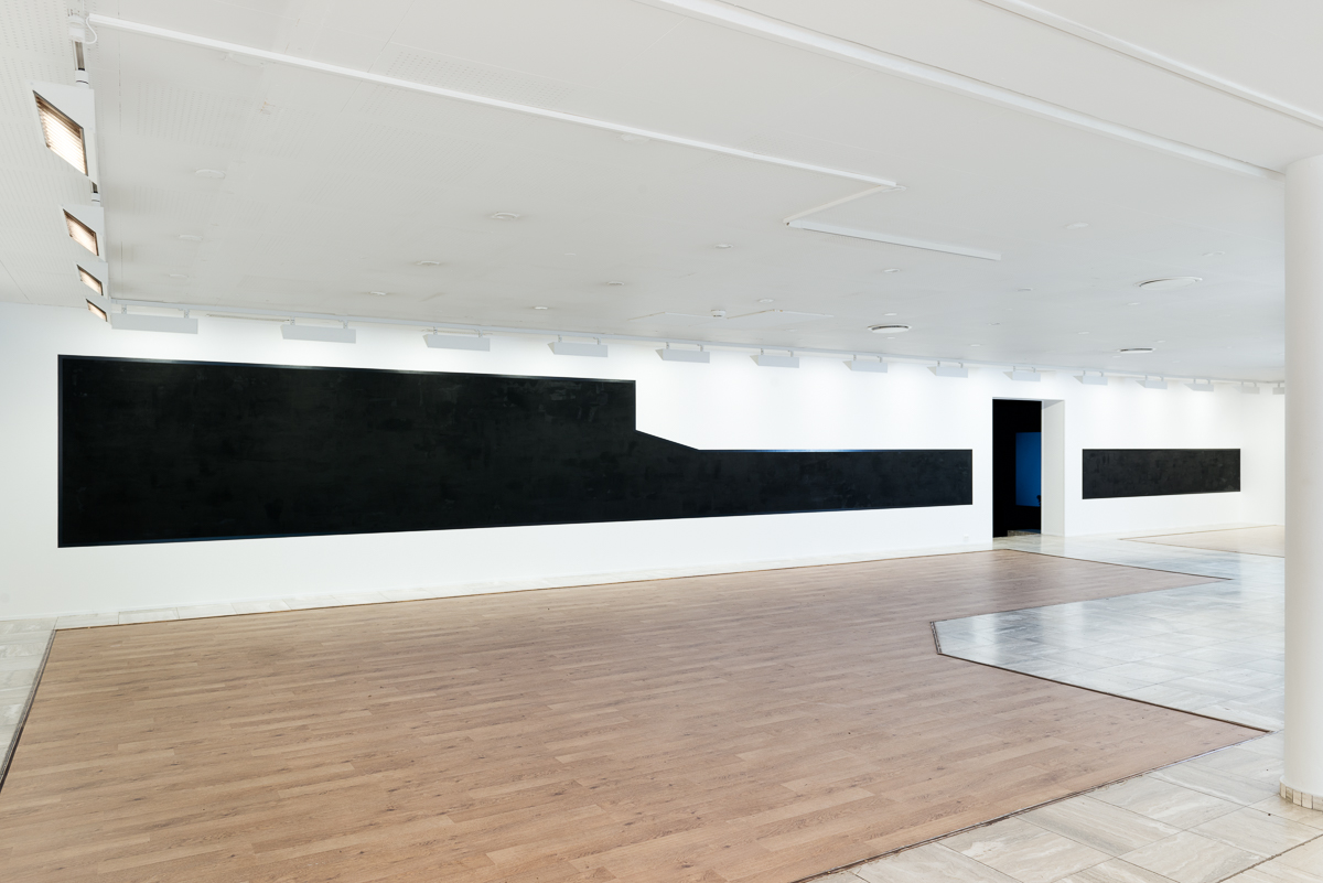 Black view from above , site-related wallpainting, installation view Sandefjord Kunstforening