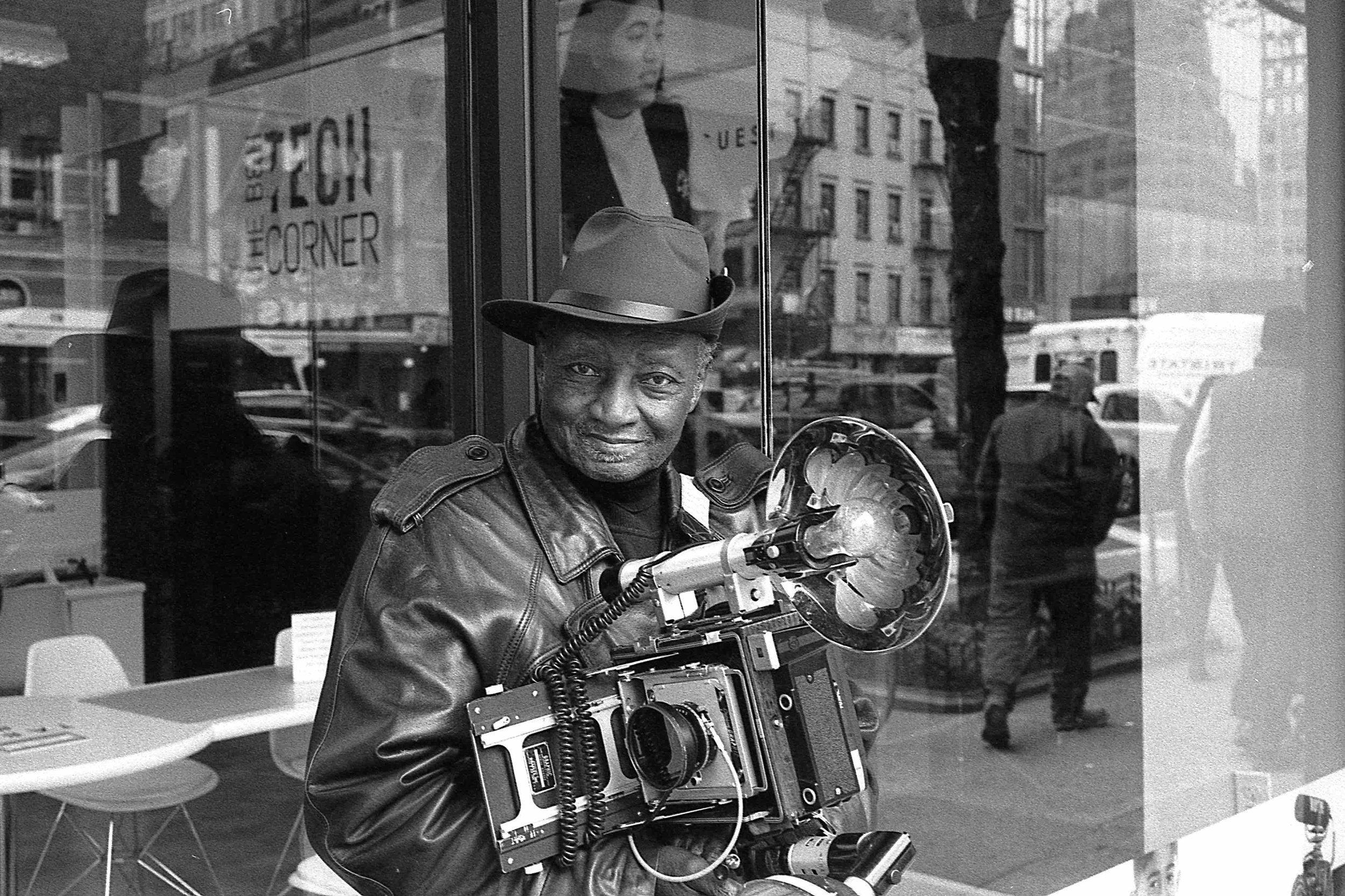 Matt Pittman / Leica M7 / Ilford HP5 / New York City / Louis Mendes