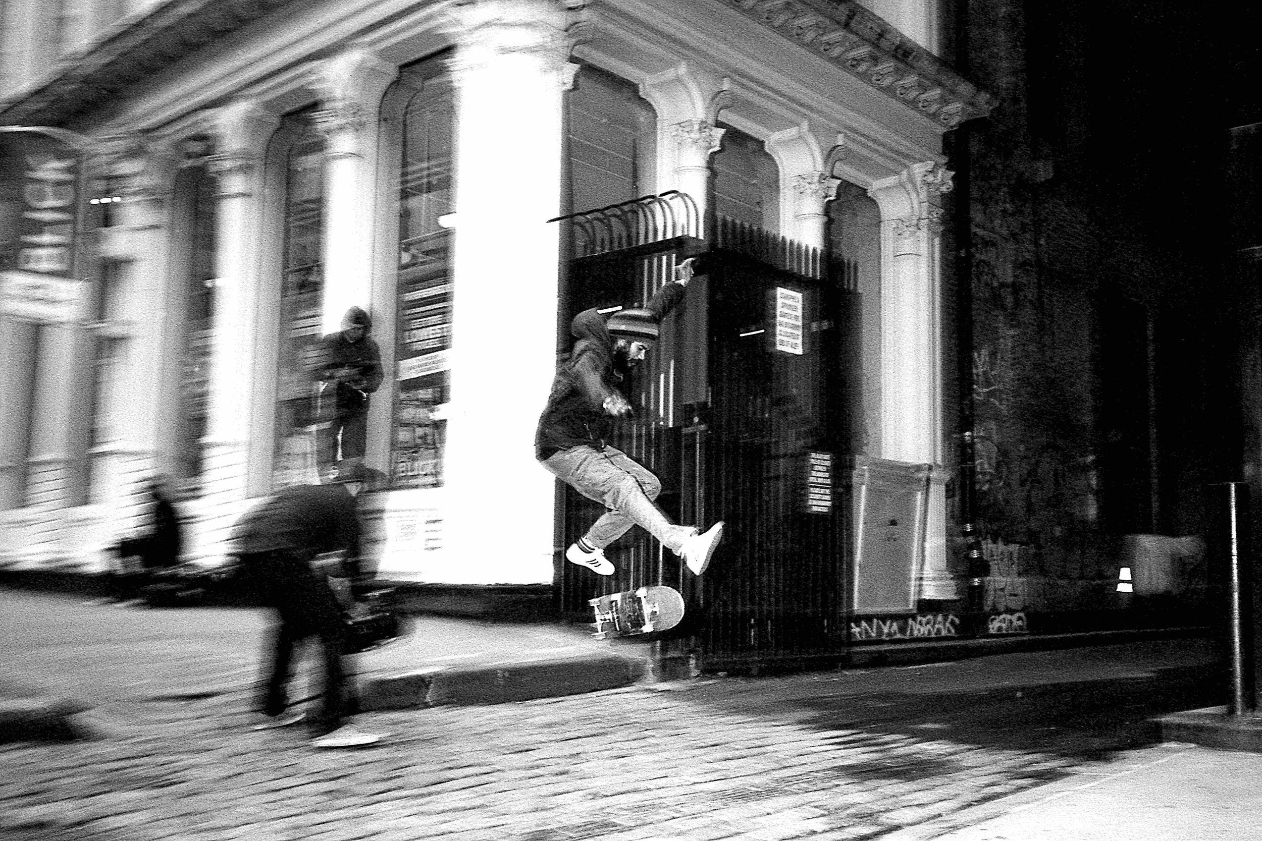 Matt Pittman / Leica M7 / Ilford HP5 / New York City / Skateboarding