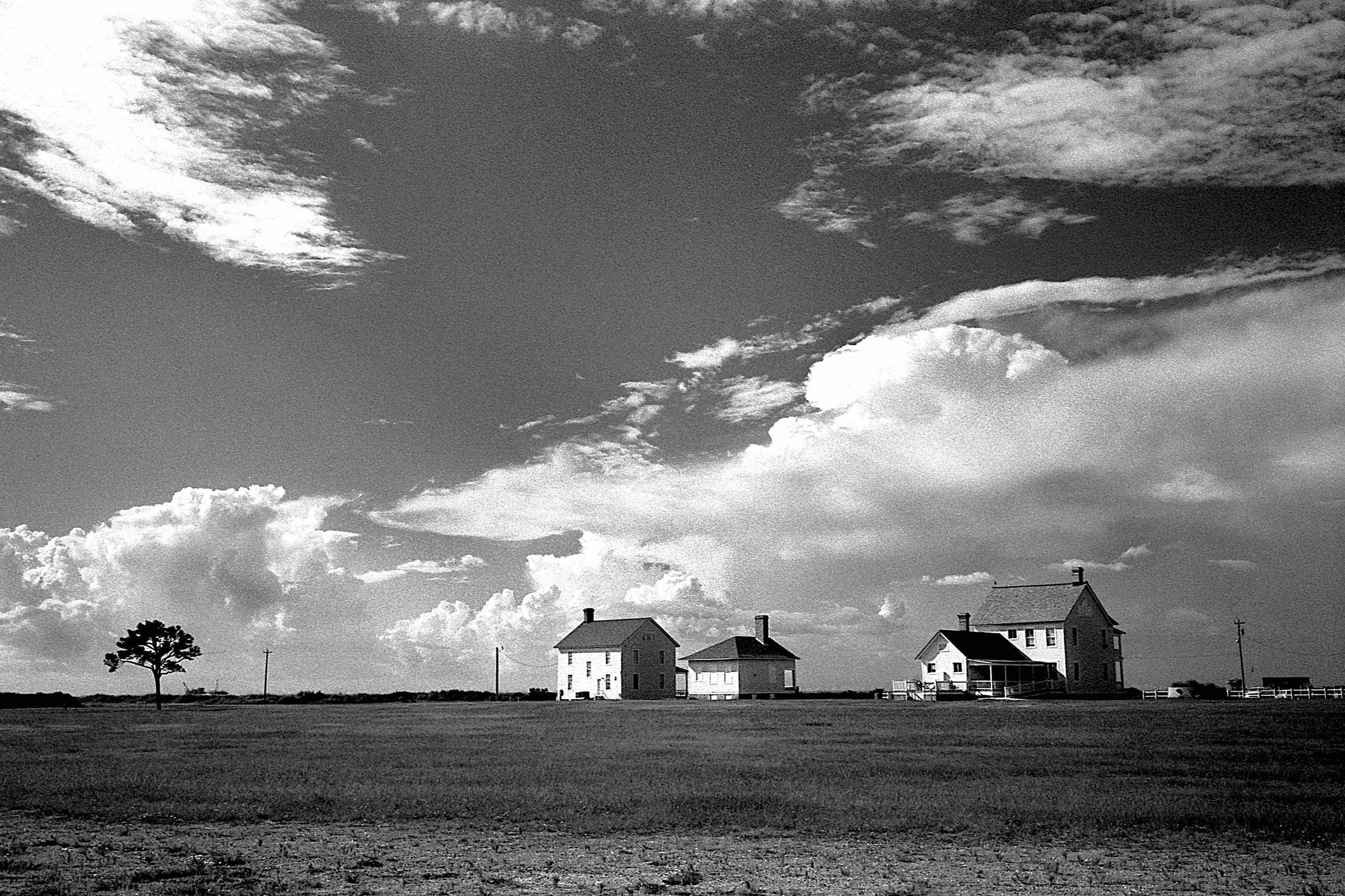 Matt Pittman / Fort Morgan, Alabama / Tiffen Filter Red #25 / Ilford HP5 / Leica M7