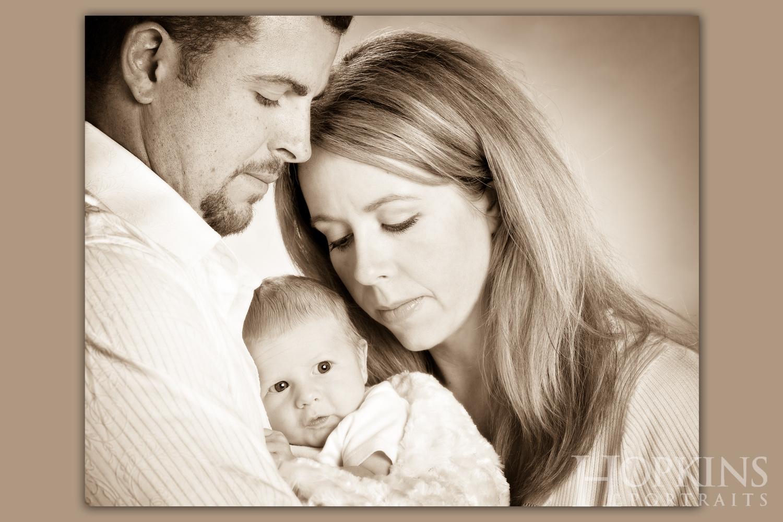 families_babies_portraits_studio_sepia.jpg