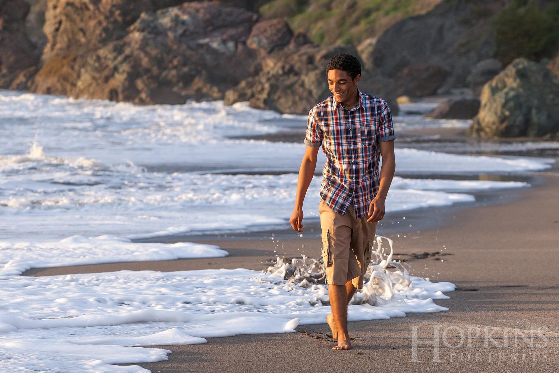 Thompson_senior_portraits_ocean_waves_beach_photography.jpg
