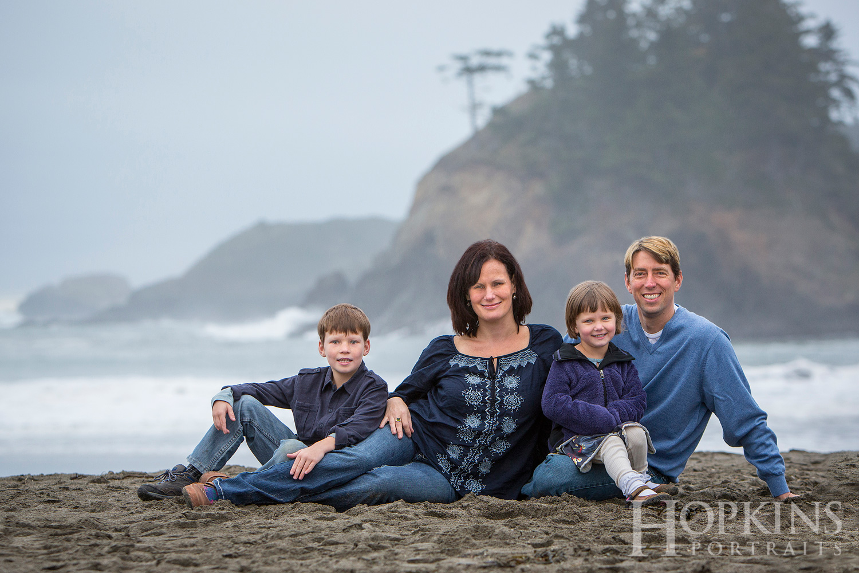 Allen_beach_family_portrait_ocean_location_photography.jpg