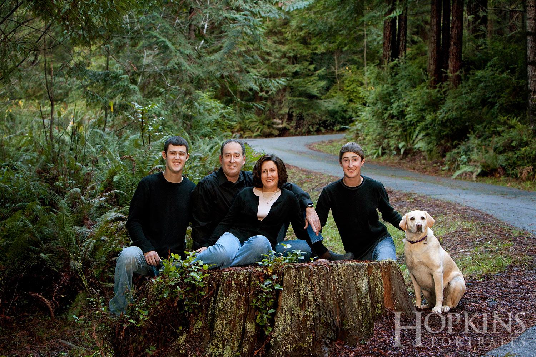 Brooks_portrait_outdoor_family_pets.jpg