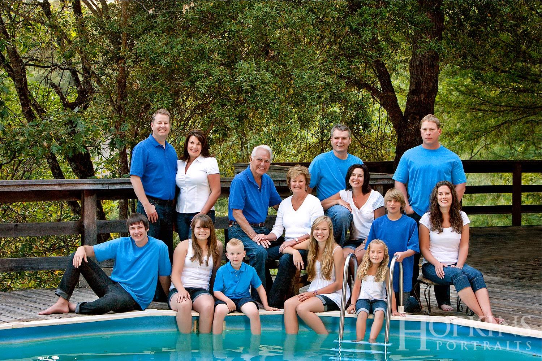 Coeur_family_portrait_pool_backyard_location.jpg