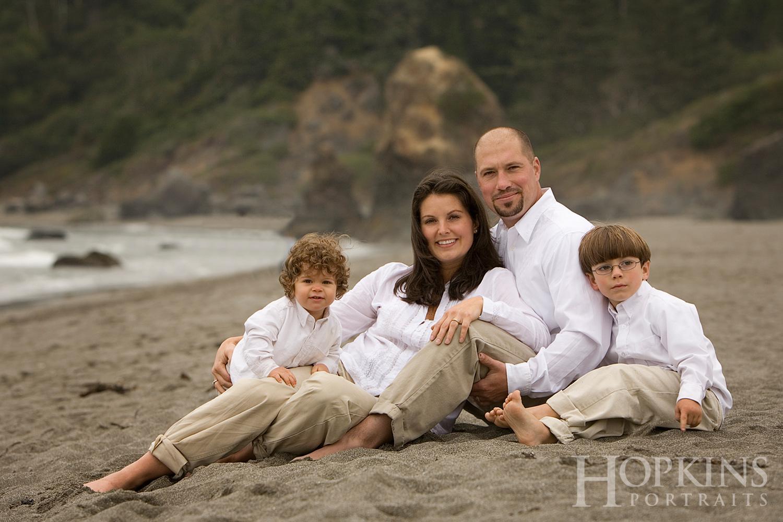 england_family_portrait_ocean_beach_photography.jpg