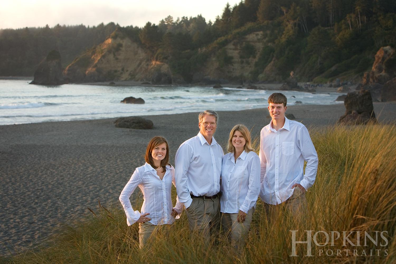 Nilsen_family_portraits_beach_ocean_photography.jpg