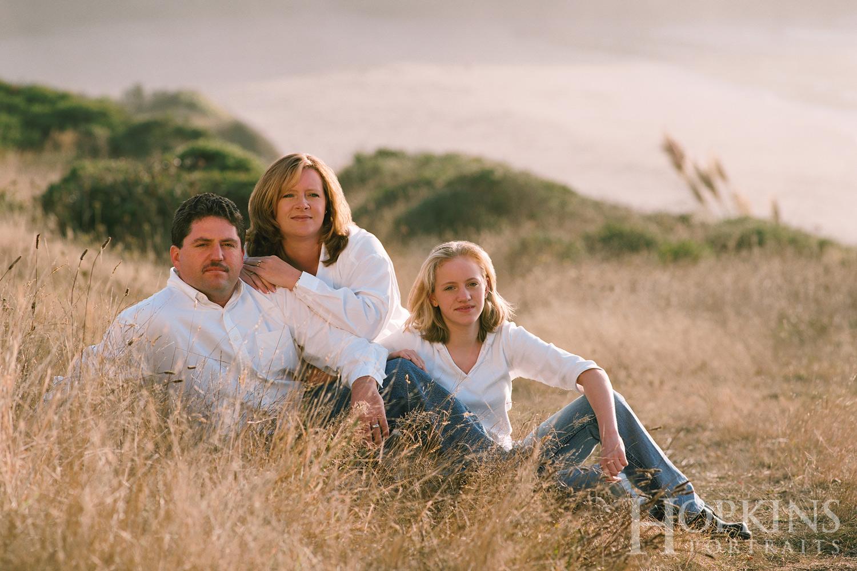 Evans_family_portrait_ocean_beach_bluff.jpg