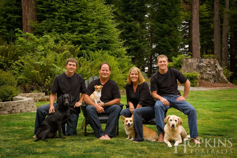 Stone_family_pets_portraits_outdoors.jpg