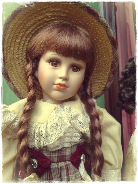 antique-victorian-porcelain-dolls.jpg