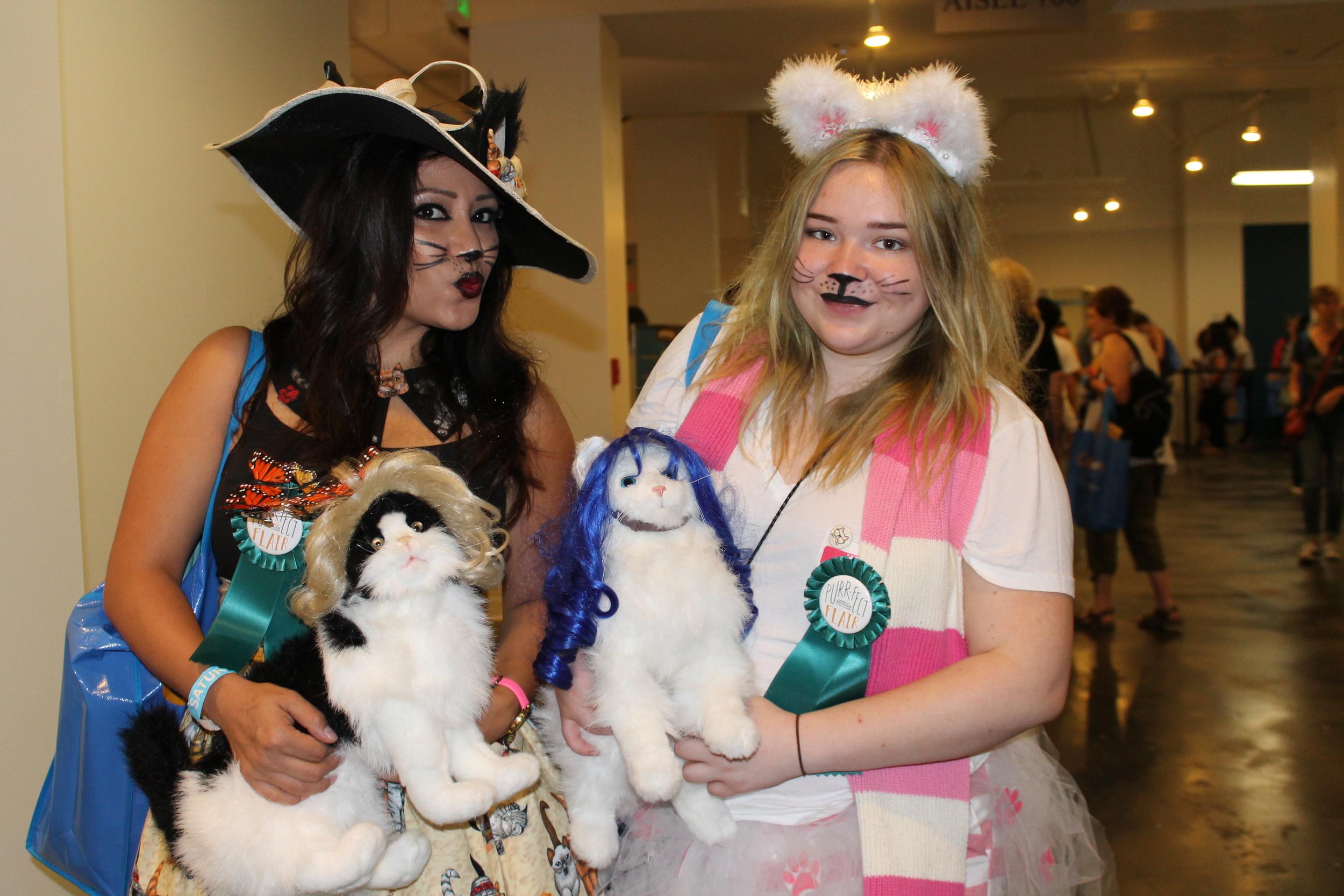 Lolita Cat Girls.