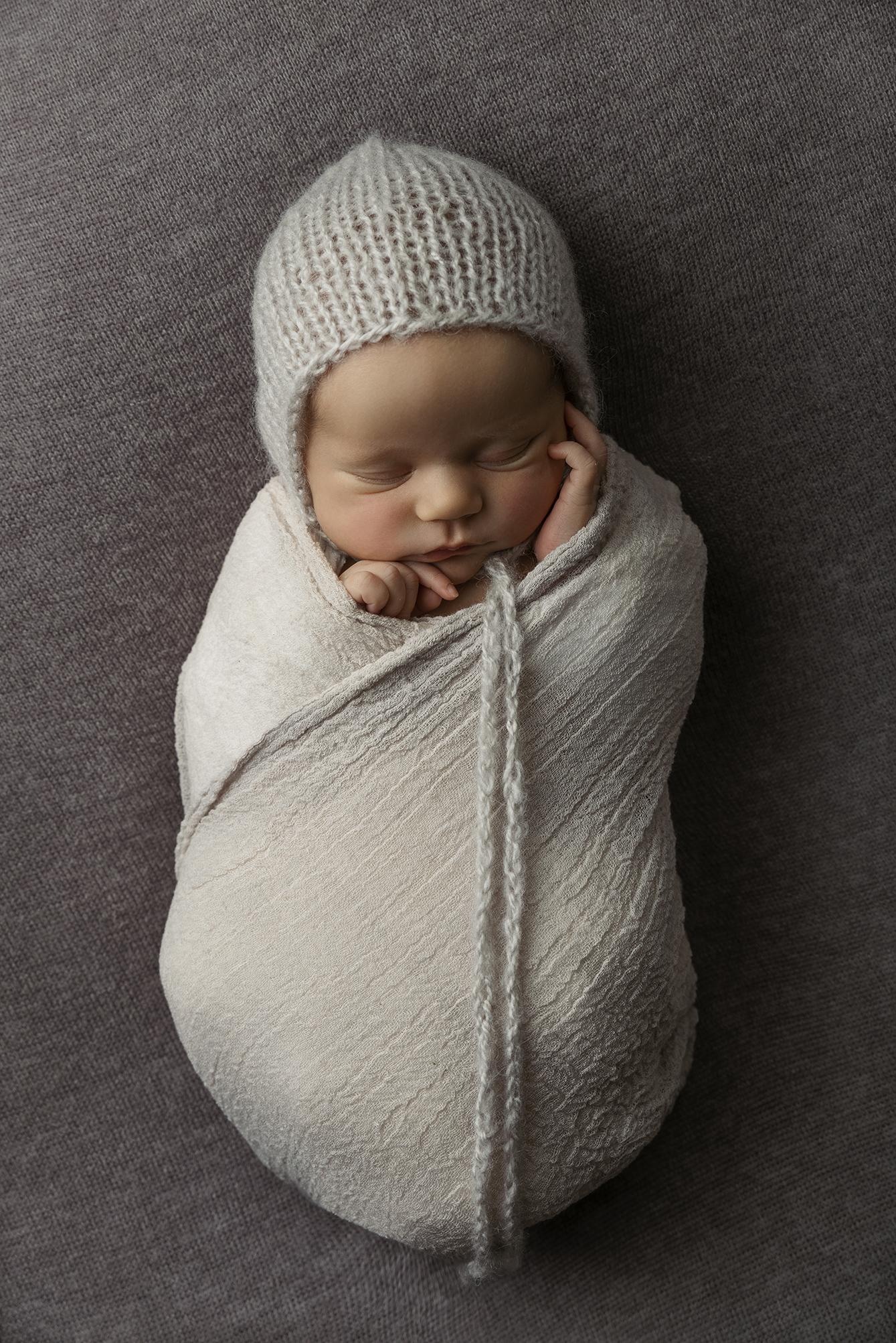 lucah newborn13 fx.jpg