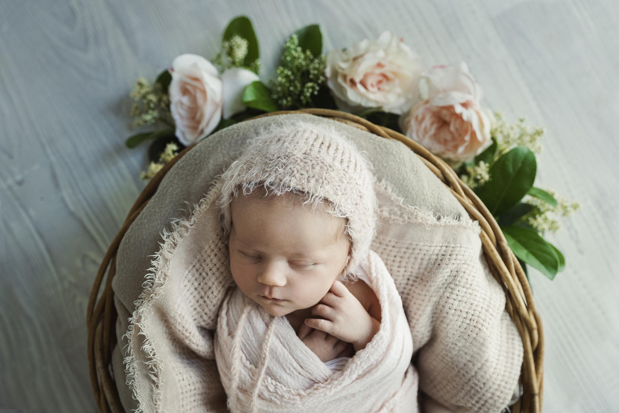 lucah newborn60 fx.jpg