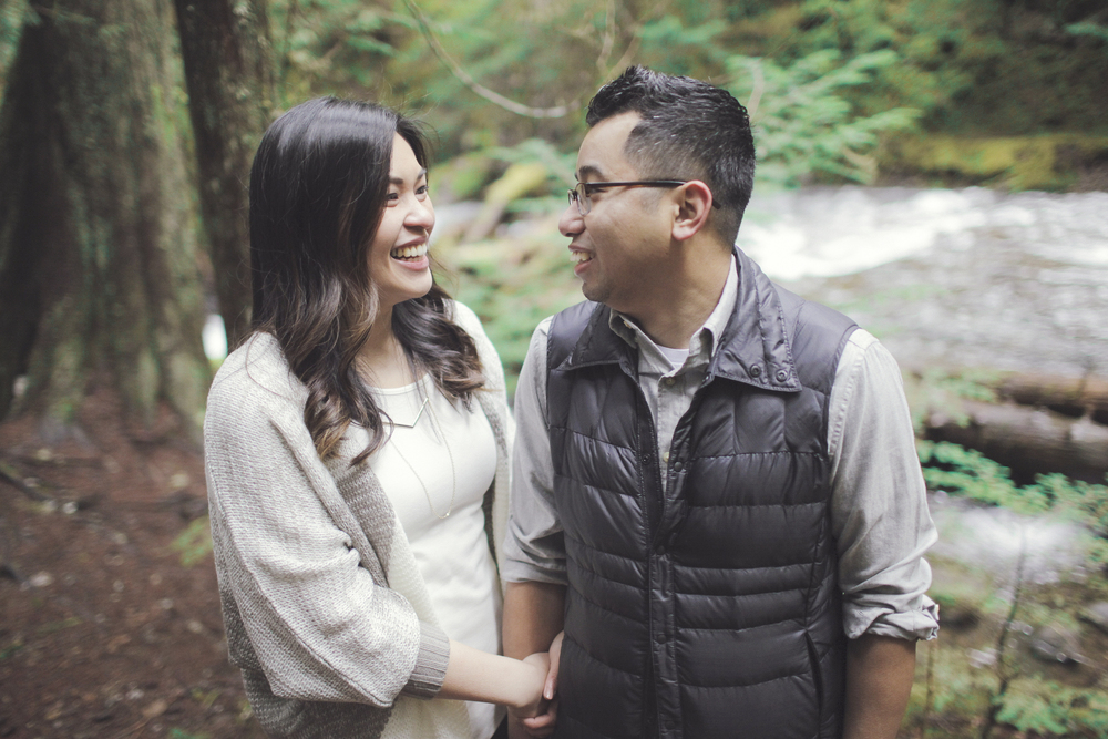 022+outlive+creative+oregon+engagement+session+best+photo+shoot+sov+kristin+panther+falls.jpg