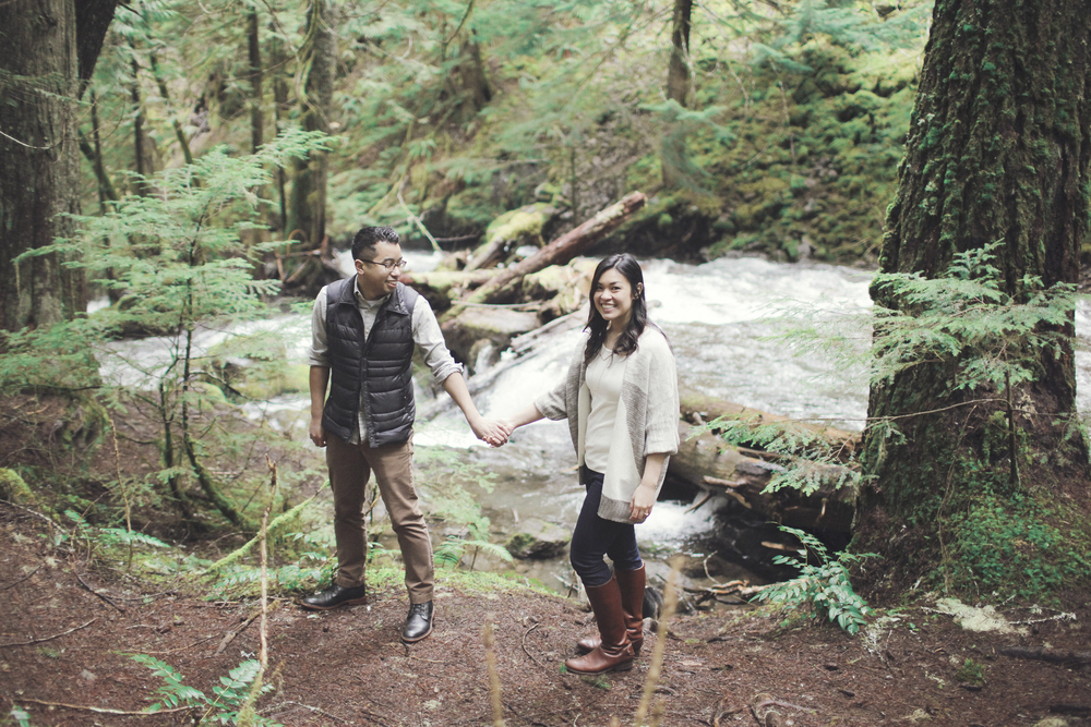 023+outlive+creative+oregon+engagement+session+best+photo+shoot+sov+kristin+panther+falls.jpg