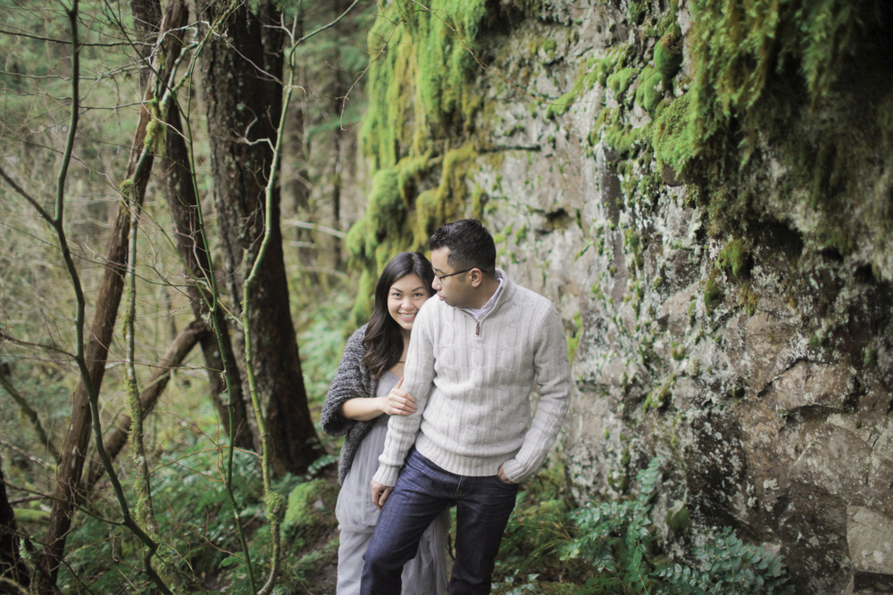038+outlive+creative+oregon+engagement+session+best+photo+shoot+sov+kristin+panther+falls.jpg