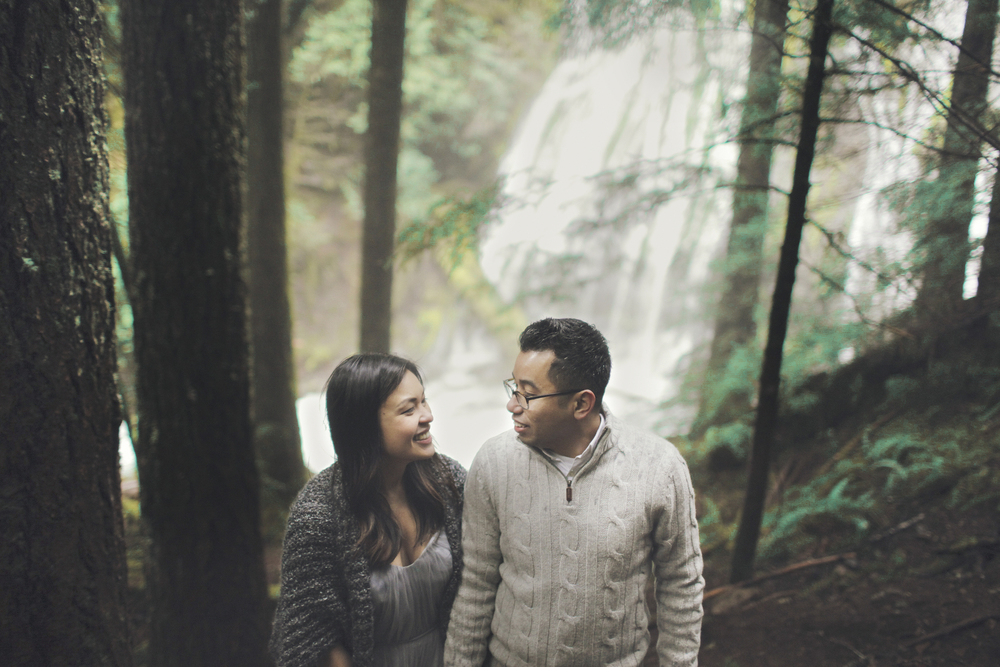 047+outlive+creative+oregon+engagement+session+best+photo+shoot+sov+kristin+panther+falls.jpg