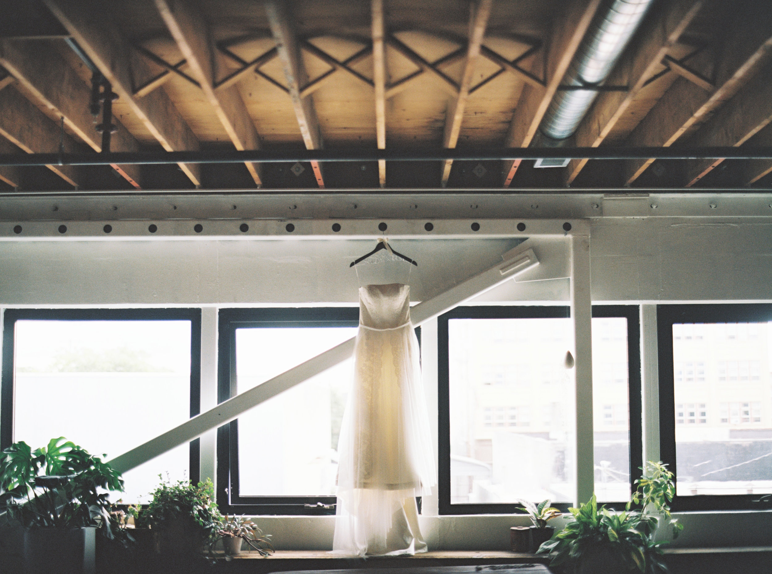 001Kristin & Sov : Wedding Photos : Union Pine : Portland : Oregon : Outlive Creative : 2016.jpg