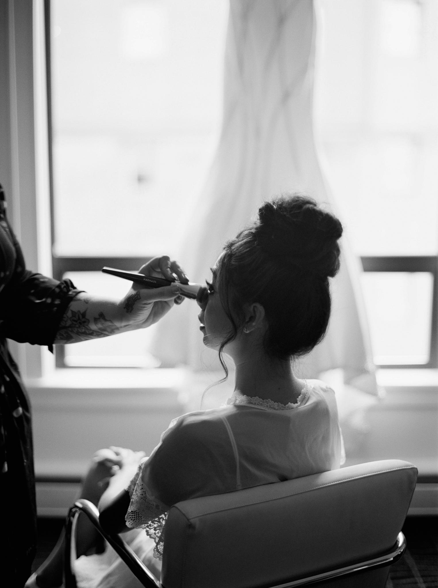 007OutliveCreative_Travel_Photographer_Videographer_Lewis&Clark_Oregon_Elegant_BlackTie_Destination_Wedding.jpg