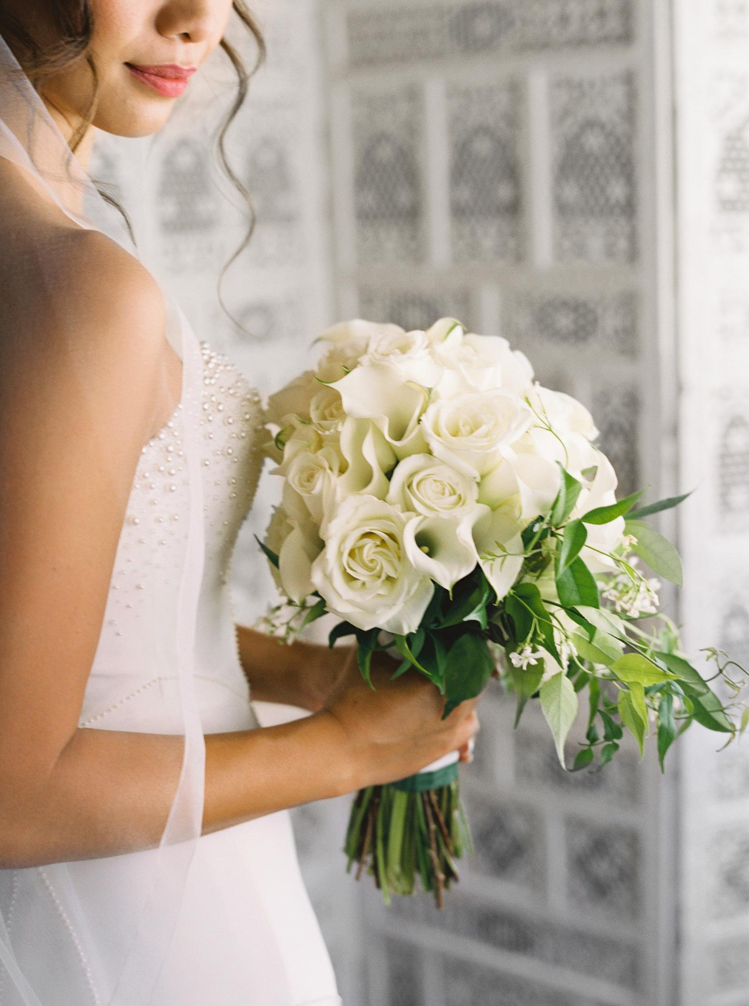 018OutliveCreative_Travel_Photographer_Videographer_Lewis&Clark_Oregon_Elegant_BlackTie_Destination_Wedding.jpg