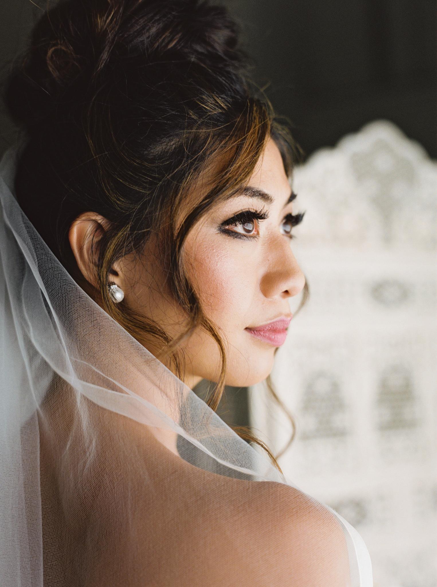 017OutliveCreative_Travel_Photographer_Videographer_Lewis&Clark_Oregon_Elegant_BlackTie_Destination_Wedding.jpg