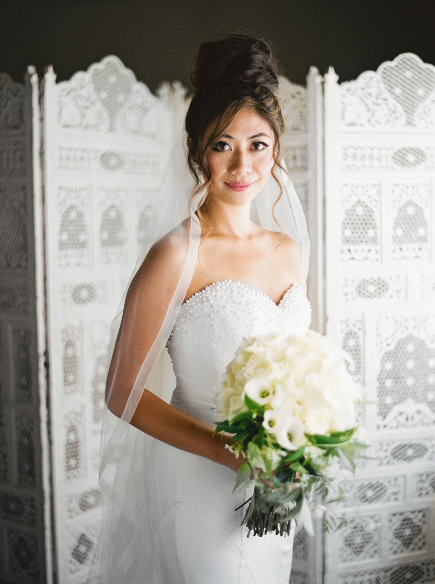 020OutliveCreative_Travel_Photographer_Videographer_Lewis&Clark_Oregon_Elegant_BlackTie_Destination_Wedding.jpg