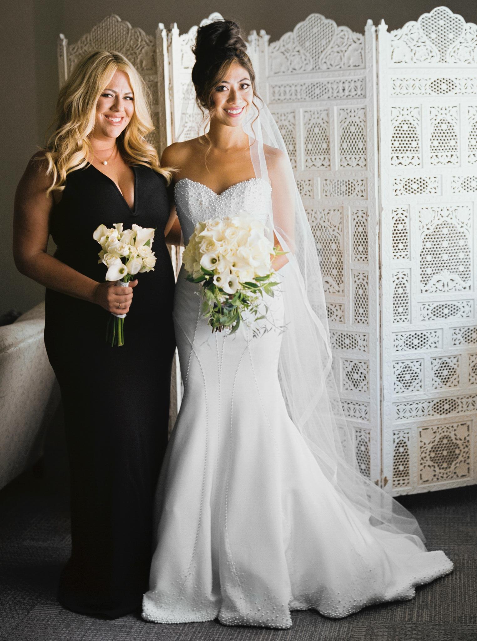 024OutliveCreative_Travel_Photographer_Videographer_Lewis&Clark_Oregon_Elegant_BlackTie_Destination_Wedding.jpg
