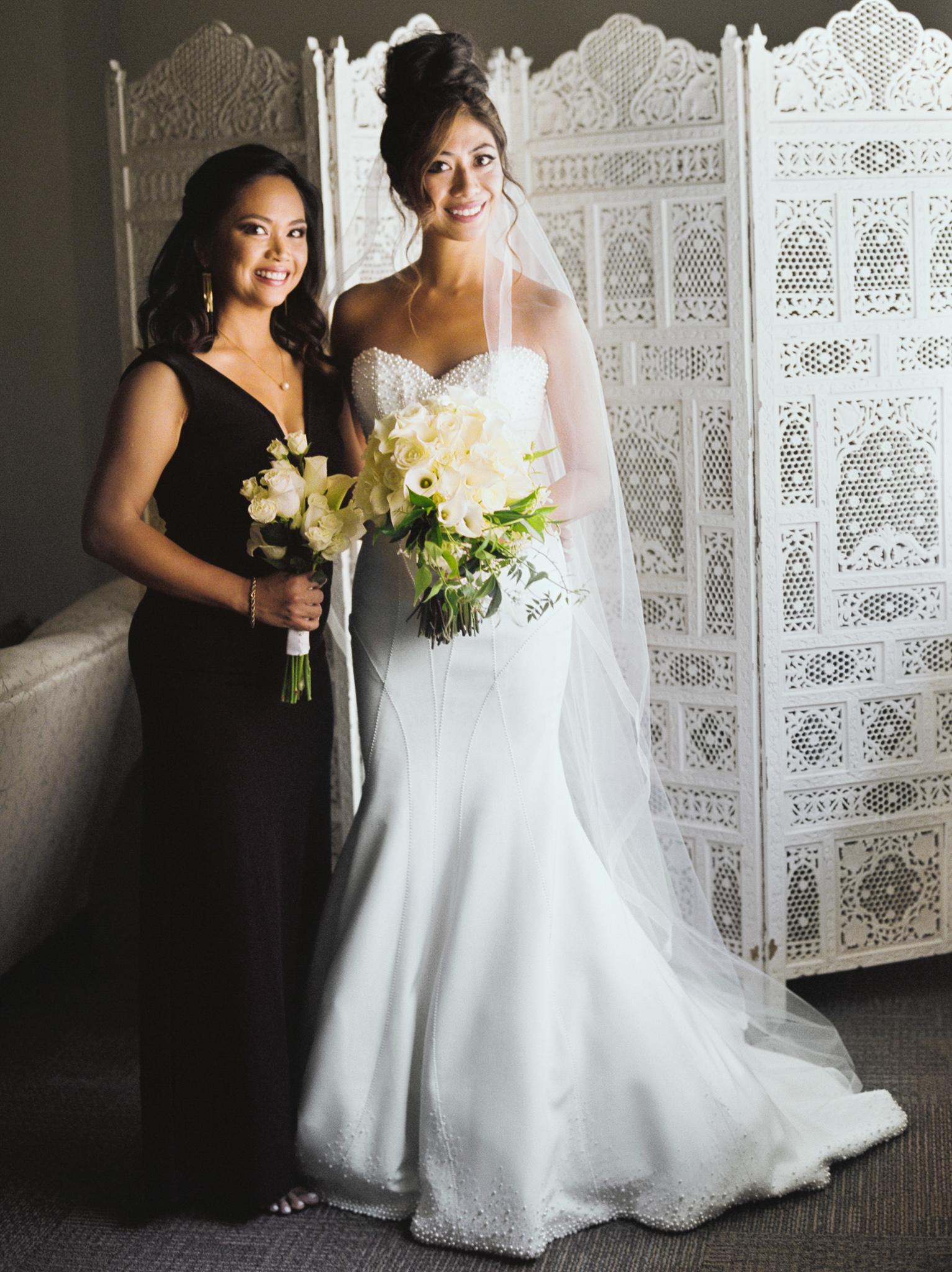 026OutliveCreative_Travel_Photographer_Videographer_Lewis&Clark_Oregon_Elegant_BlackTie_Destination_Wedding.jpg