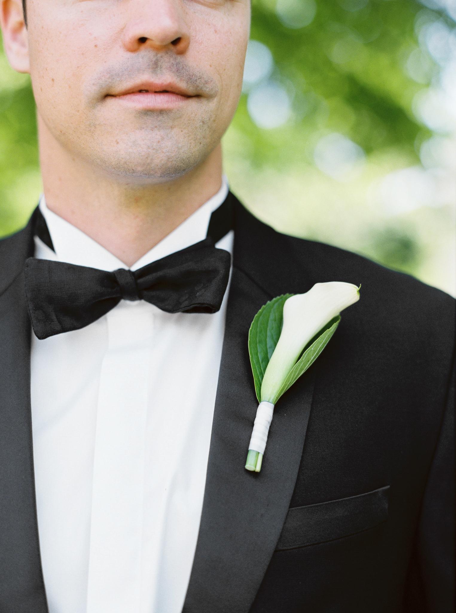 058OutliveCreative_Travel_Photographer_Videographer_Lewis&Clark_Oregon_Elegant_BlackTie_Destination_Wedding.jpg