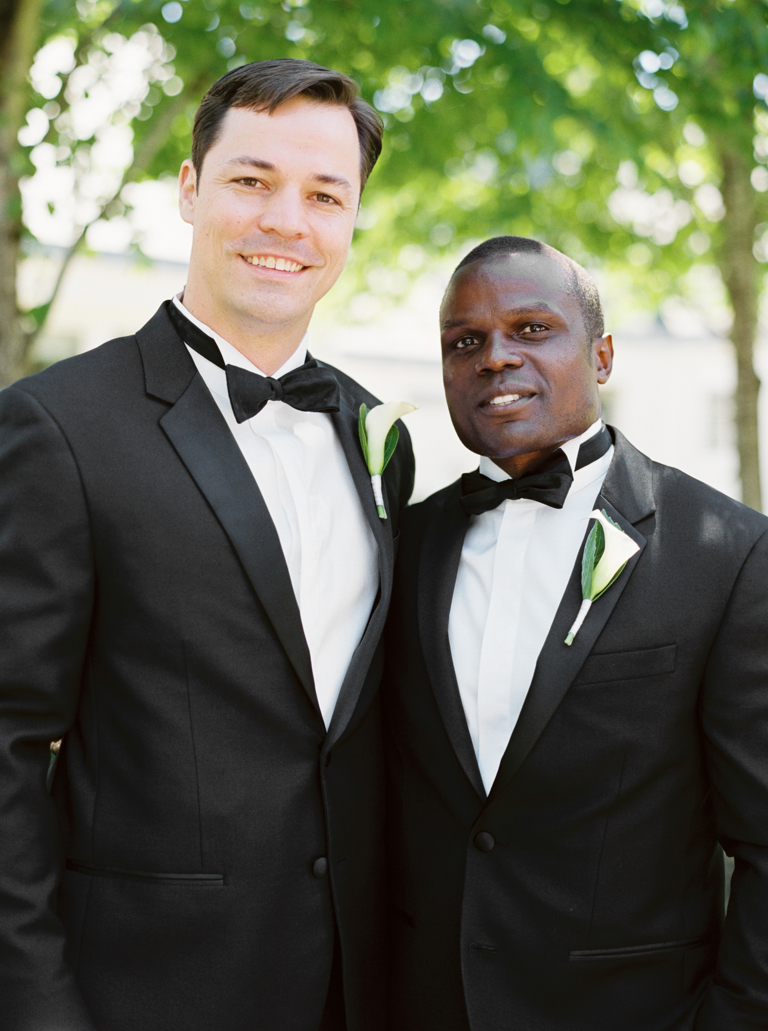 067OutliveCreative_Travel_Photographer_Videographer_Lewis&Clark_Oregon_Elegant_BlackTie_Destination_Wedding.jpg