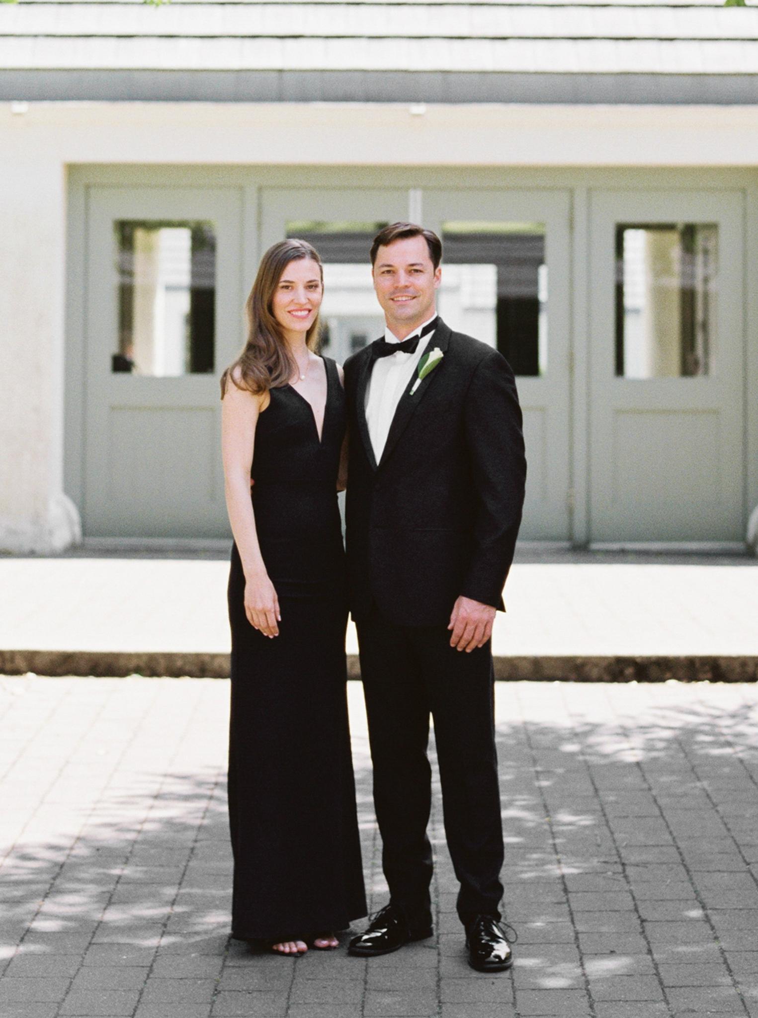 074OutliveCreative_Travel_Photographer_Videographer_Lewis&Clark_Oregon_Elegant_BlackTie_Destination_Wedding.jpg