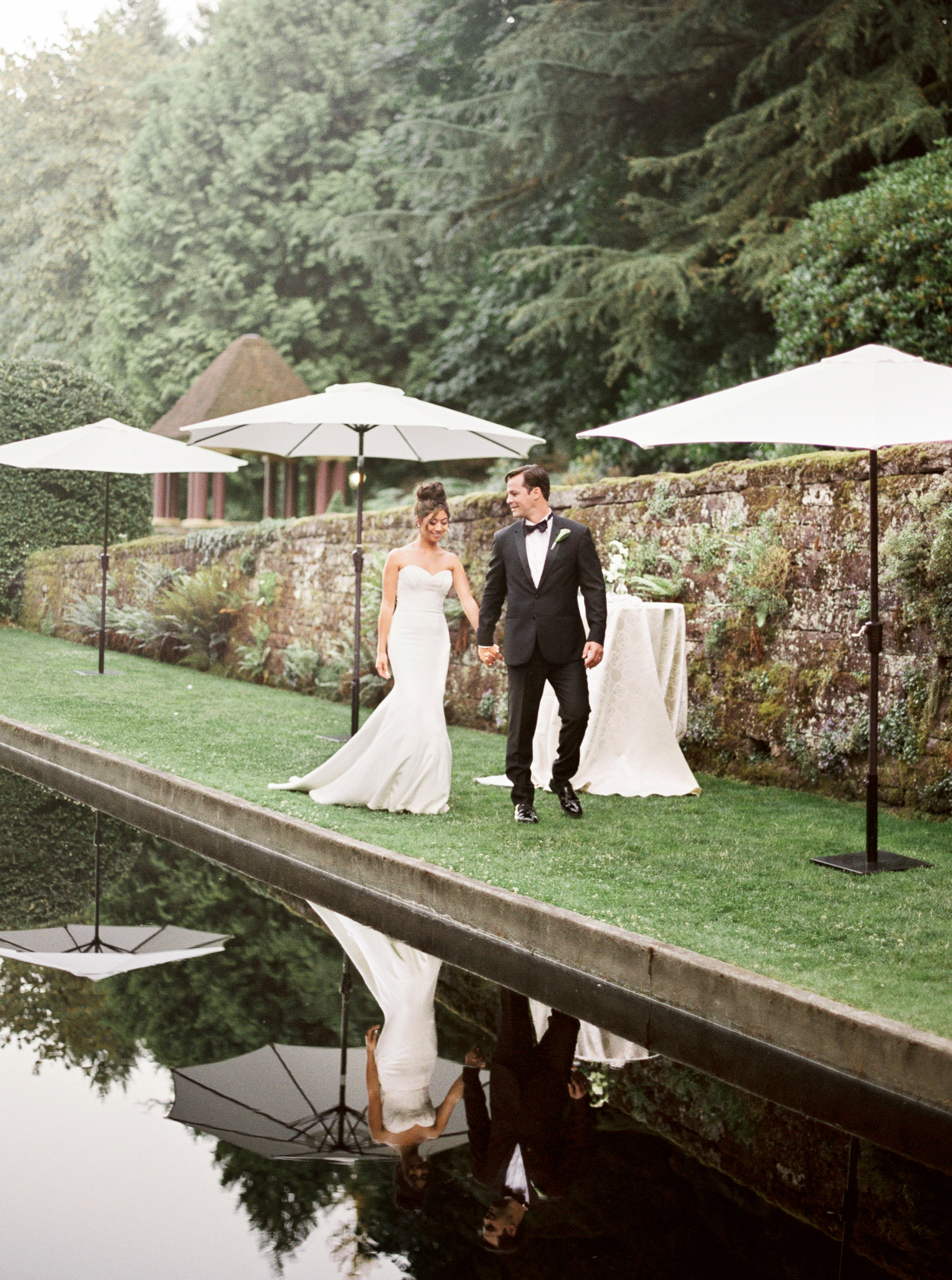084OutliveCreative_Travel_Photographer_Videographer_Lewis&Clark_Oregon_Elegant_BlackTie_Destination_Wedding.jpg