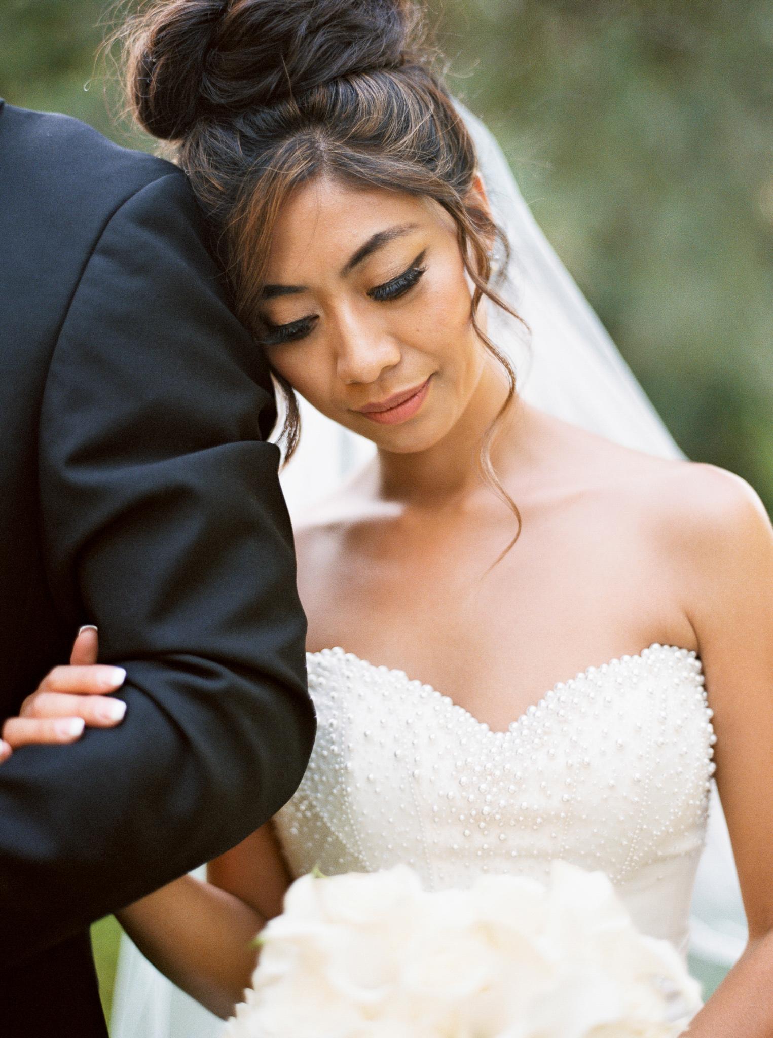 109OutliveCreative_Travel_Photographer_Videographer_Lewis&Clark_Oregon_Elegant_BlackTie_Destination_Wedding.jpg